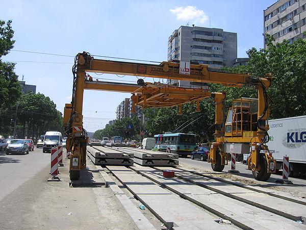 max_bogl-slab_track_tramway_light_rail_urban_transit_design_romania_colentina_embedded_asphalt