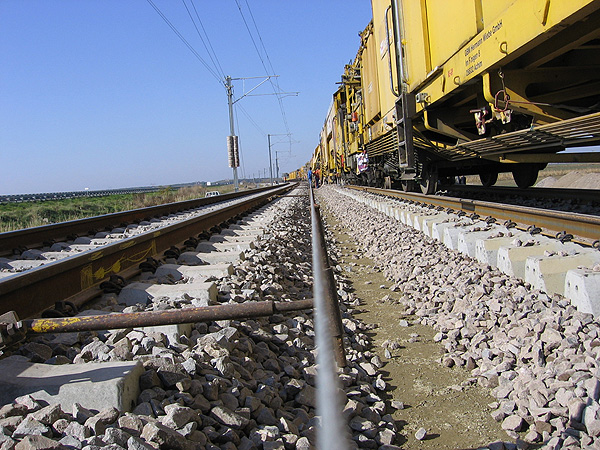rpm_2000_plasser_theurer_track_renewal_fourth_pan-european-corridor_rail-guidance-topographical-formation-sublayer-cbr-ev2-evd