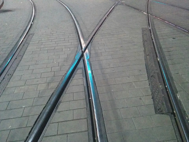 manchester-metrolink-side-normal-light-rail-crossing-tramway-switch-sc-design-track-alignment-superstructure-flange-wheel-running-grooved-climb-derailment